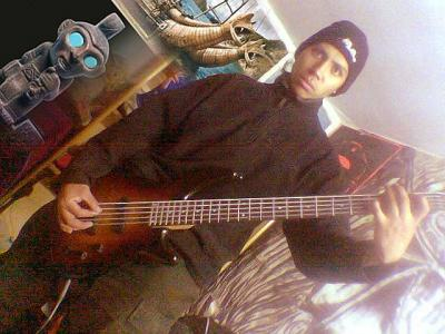 "Compañeros de banda: OSCAR VELASQUEZ ""Joya"" (Bajo)"